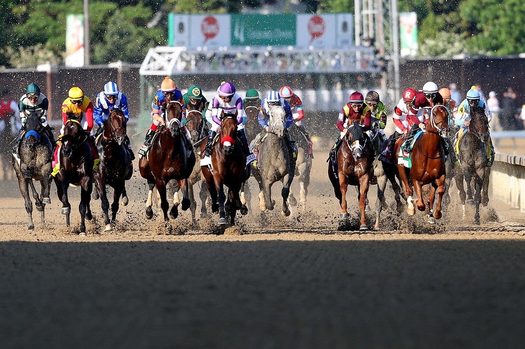 . The field heads down the front stretch after the start of the 142nd running of the Kentucky Derby at Churchill Downs on May 07, 2016 in Louisville, Kentucky.  (Photo by Rob Carr/Getty Images)