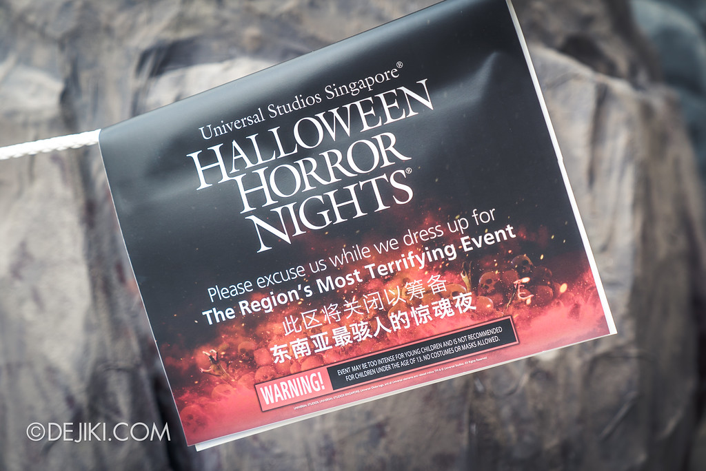 Halloween Horror Nights 7 Before Dark 1 / Construction Signs
