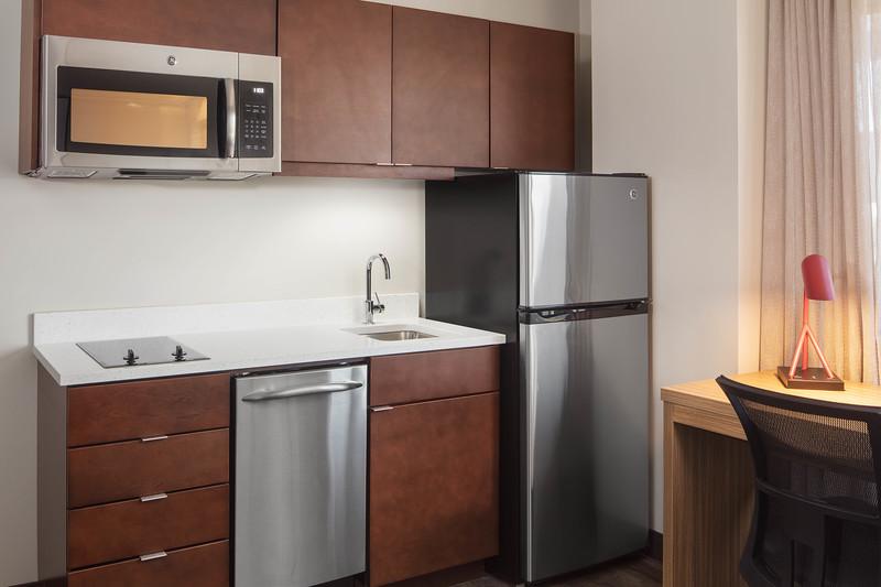 7-kitchen area.jpg