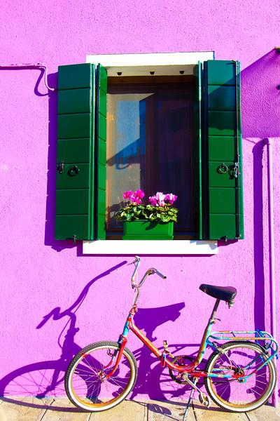 burano purple house.jpg