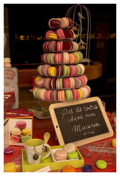 macarons aix dark boards.jpg