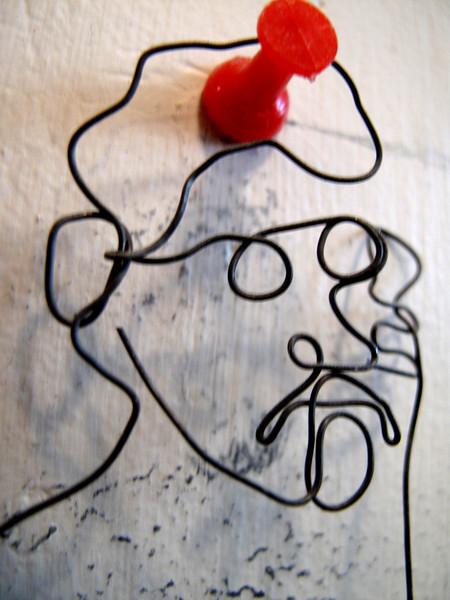 nicky-wire-sculpture.jpg
