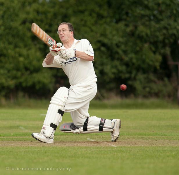 110820 - cricket - 259-2.jpg