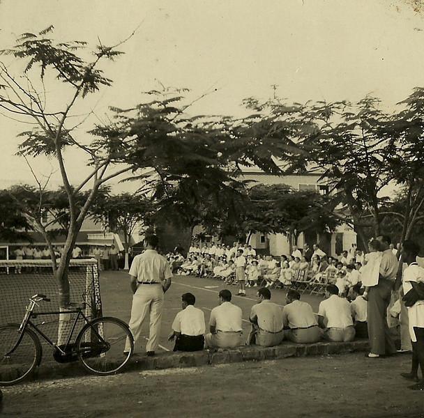 Jogo de futebol no Dundo