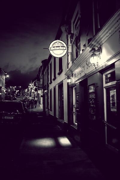 Dingle Town - B&W