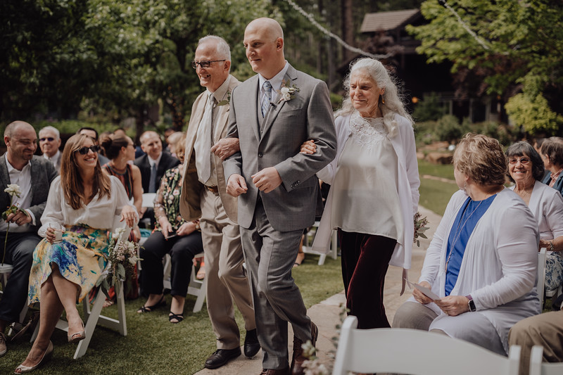 2018-05-12_ROEDER_JulieSeth_Wedding_ROEDER1_0082.jpg