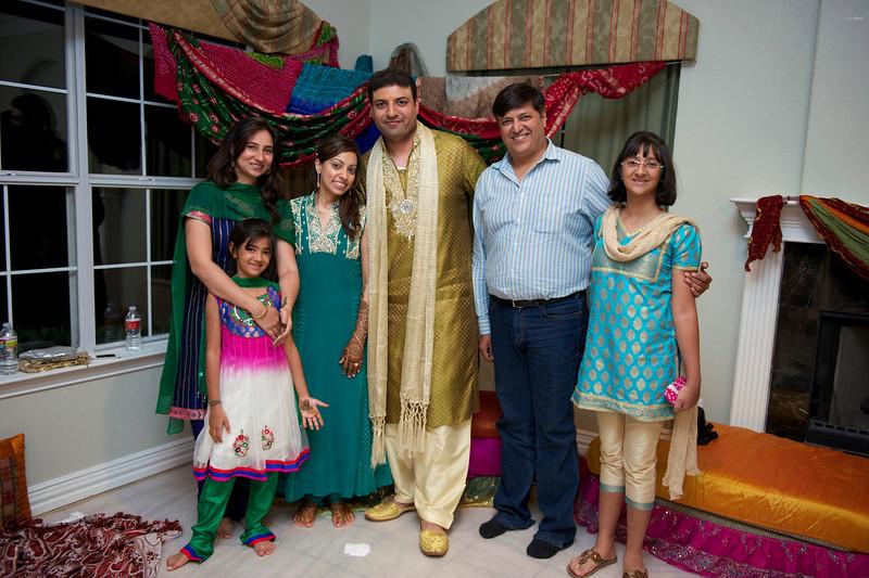 Rahim-Mehndi-2012-06-00527.jpg