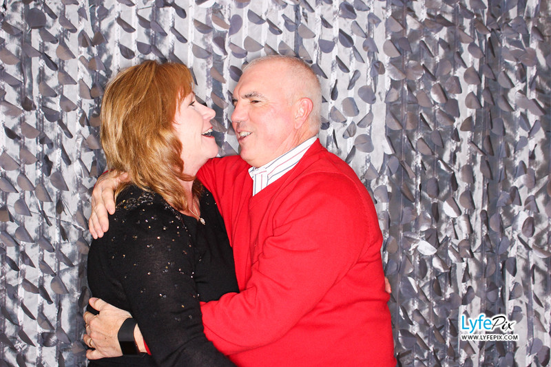 red-hawk-2017-holiday-party-beltsville-maryland-sheraton-photo-booth-0225.jpg
