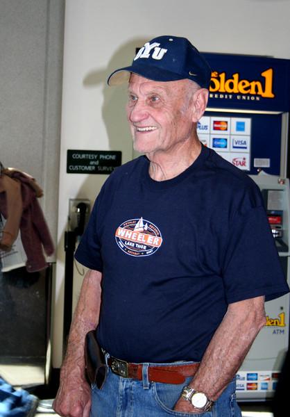 2009_TysonsHomecoming_grandpa3.JPG