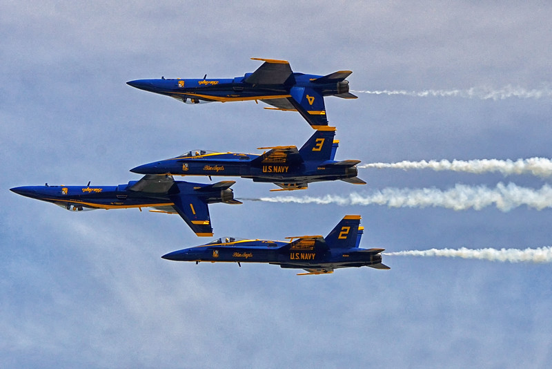 DSC02635-blue angels.jpg