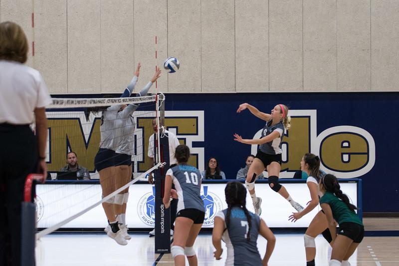 HPU Volleyball-91656.jpg