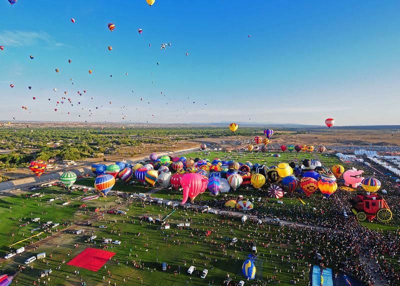 NEA_5734-7x5-Balloons.jpg