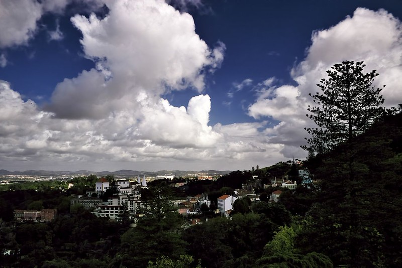 Krásná oblačnost nad Sintrou