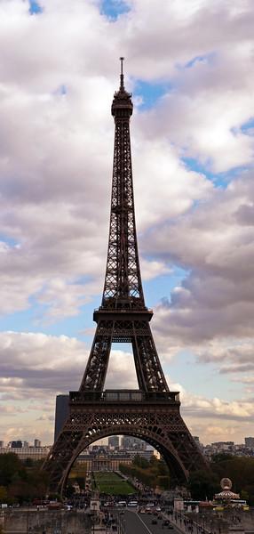 Hochformat-Panorama des Eiffelturms, 2011
