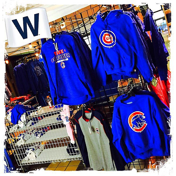 Pop-up Metra sports apparel no longer reserved just for the Blackhawks. #flythew #GoCubsGo