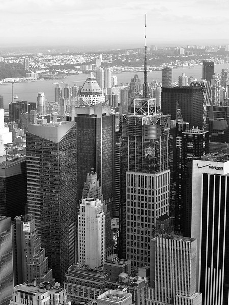 _0160115 ny city buildings river bw.jpg