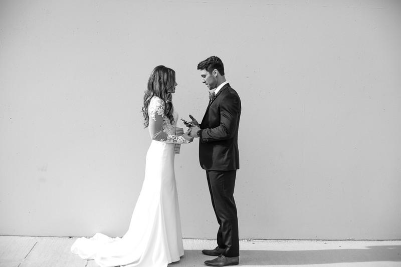 Kate&Josh_B&W_ZACH.WATHEN.PHOTOGRAPHER-272.jpg
