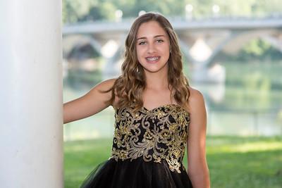 Savannah D. - 8th grade Portraits