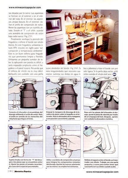 instalando_nuevo_fregadero_en_la_cocina_mayo_1998-05g.jpg