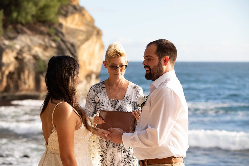 kauai wedding on shipwrecks-31.jpg