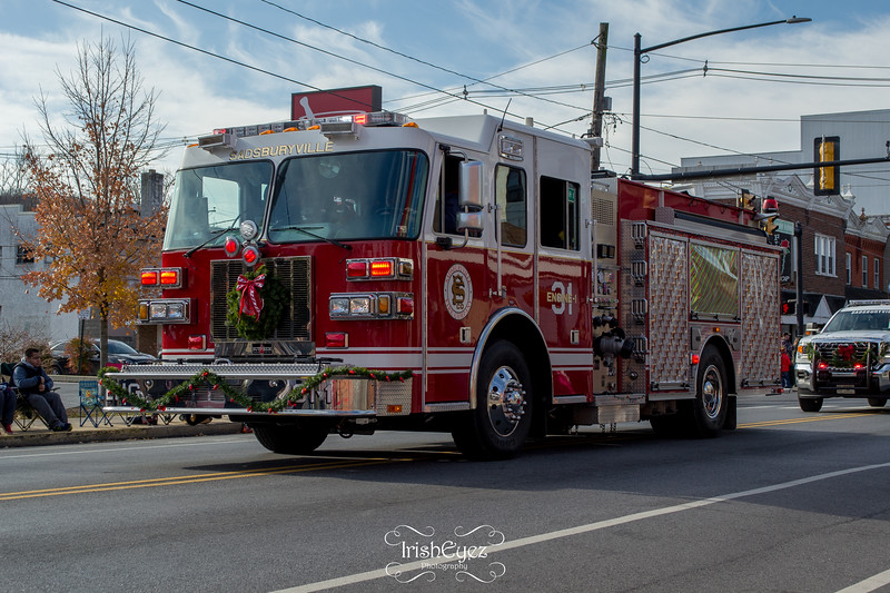 2017-coatesville-christmas-parade_38796152051_o.jpg