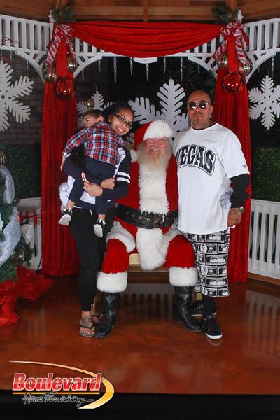 Santa 12-17-16-224.jpg