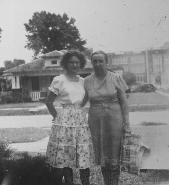 Maria and Bertha Jacob 1946