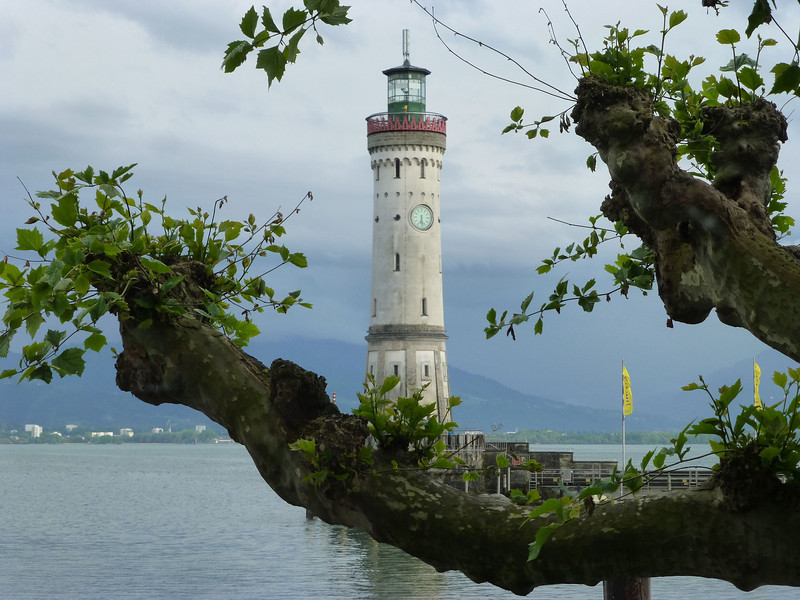 Day3-Lindau Lighthouse w tree.jpg