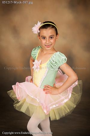Ballet 1 (Mon. 4:00)