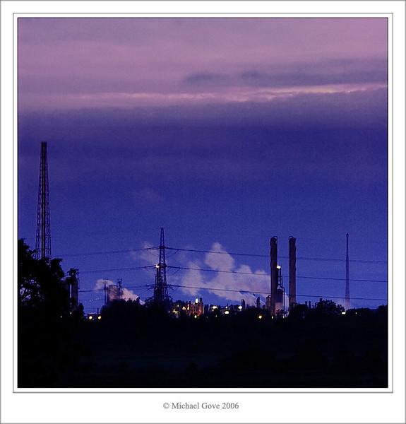 Avonmouth industry at night (68997494).jpg