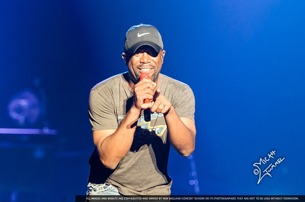 Darius Rucker at the DCU Center Worchester MA