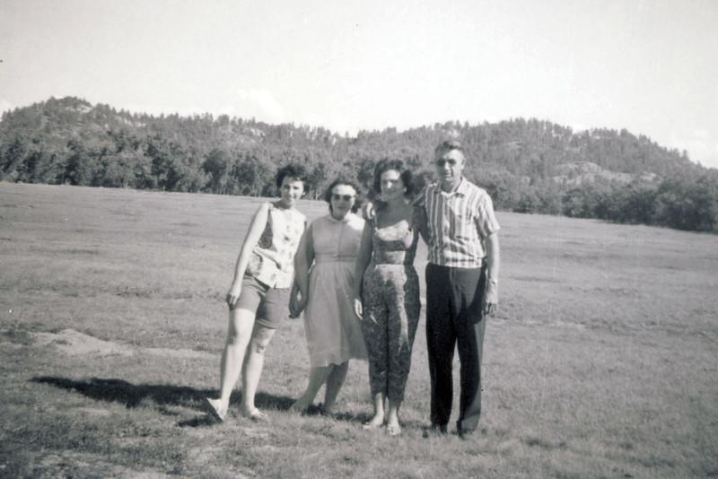 Unice Mom Colleen Hank 2 1965.jpg