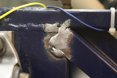 12-01-2011_Chassis_Cracks
