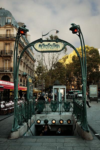 Metro Art Nouveau F0267.jpg