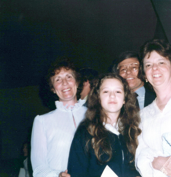 1982 Viv, Wendy Marvin and Jan.jpeg