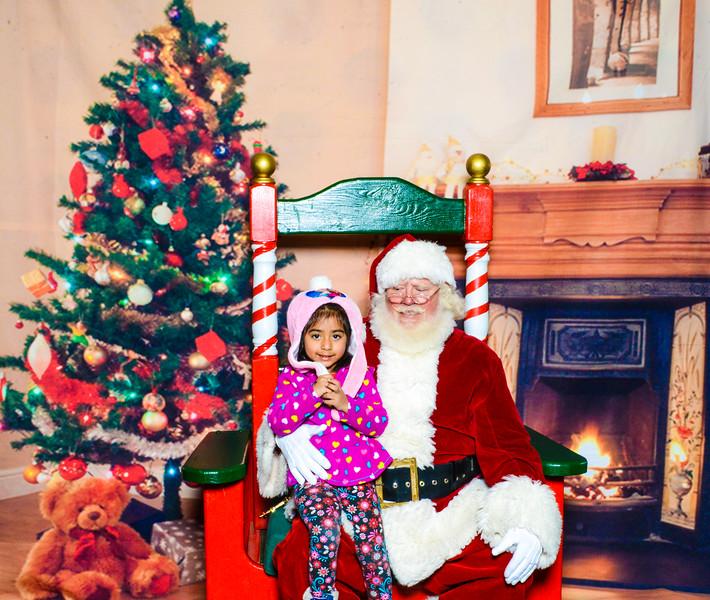Santa Elmore 2016-12204.jpg