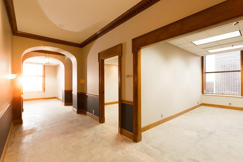 Suite 2500-1.jpg