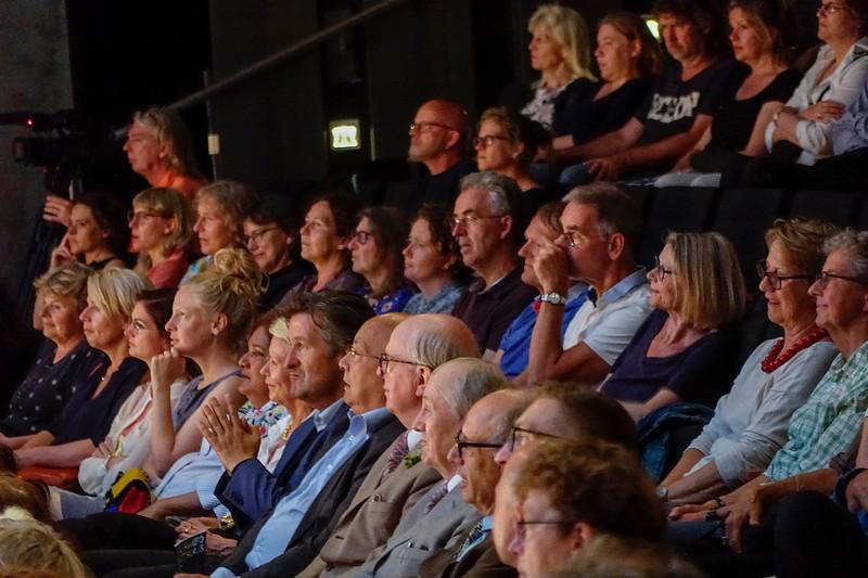 Nederland, Amsterdam, Schouwburg, Premiere van  de opera 'The Naked Shitsongs' geinspreerd op het interview van Theo van Gogh in 1996 met  het kunstenaarsduo Gilbert en George. Hoofdrolspelers: Xander van Vledder als Theo van Gogh en Nigel Robson en Christopher Robson als Gilbert en George.  Premiere of the opera 'The Naked Shitsongs' inspired by Theo van Gogh's interview in 1996 with the artist duo Gilbert and George. Chief actors: Xander van Vledder as Theo van Gogh and Nigel Robson and Christopher Robson as Gilbert and George. regie Marijn Jongewaard. Componist Huba de Graaff, 22 juni 2017, foto: Katrien Mulder