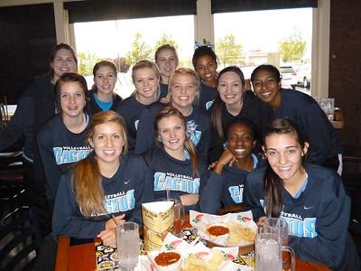 11-4-11 - Cactus Varsity Volleyball in Prescott Restaurant