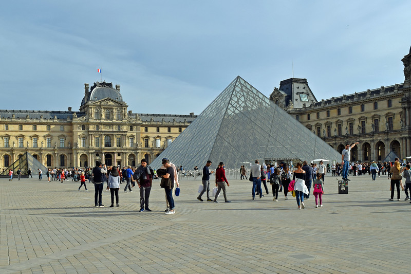 2019 London and Paris (248).JPG