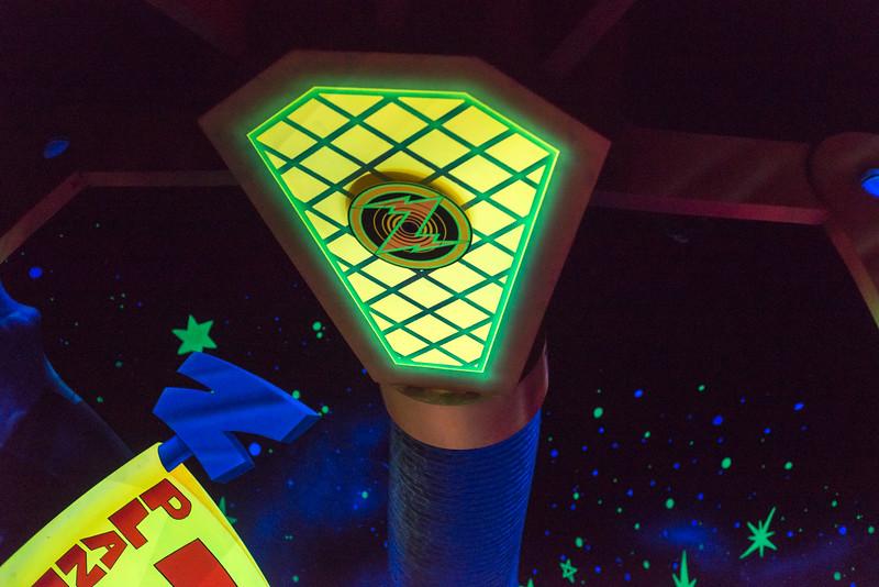 Buzz Lightyear THE CLAW - Magic Kingdom Walt Disney World