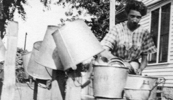 Description of . The little treasures (Galvanized Tubs Division)