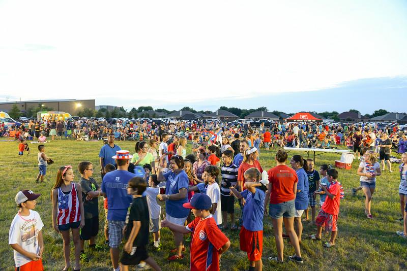 2014-07-03 Creekwood Mansfield Fireworks 012.jpg
