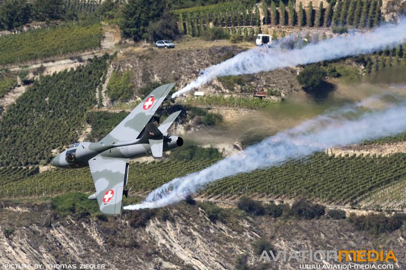 HB-RVR_J-4201_SwissAF_Hunter-T68_MG_0370.jpg