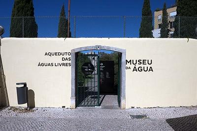 At, on and from Aqueduto das Águas Livres