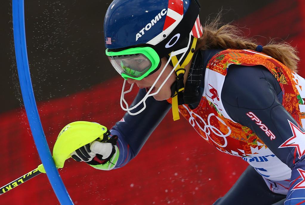 . United States\' Mikaela Shiffrin skis past a gate during the women\'s slalom at the Sochi 2014 Winter Olympics, Friday, Feb. 21, 2014, in Krasnaya Polyana, Russia. (AP Photo/Alessandro Trovati)