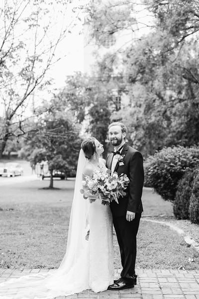 472_Ryan+Hannah_WeddingBW.jpg