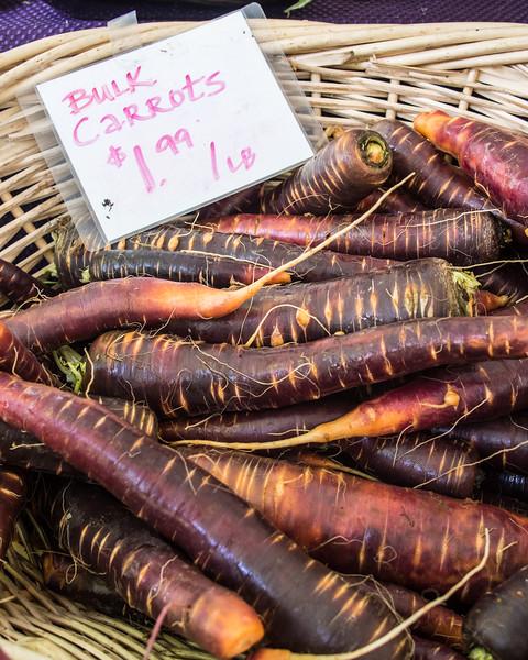 market carrots.jpg