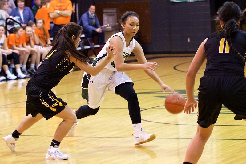 '17 Cyclones Girls Basketball 194.jpg