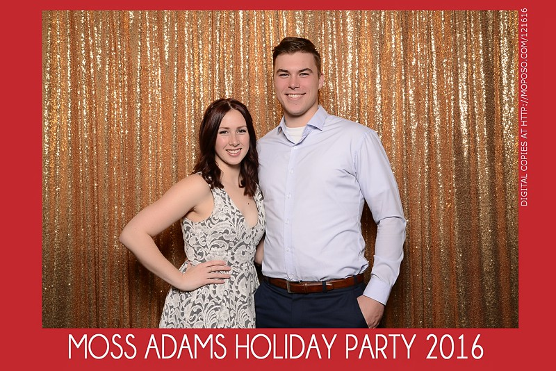 20161216_MOPOSO_Tacoma_Photobooth_MossAdamsHoliday16-83.jpg